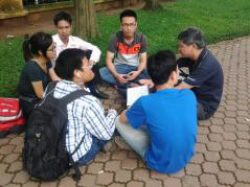 May5th, 2013: a rights discussion in Hanoi, in response to the appeal of rights activists to organize Human Rights picnics (Source: Dan Lam Bao)