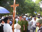 Hanoi consults bishops on a new law on faiths that violates religious freedom