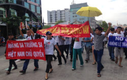 protesters against Xi Jinping in saigon2