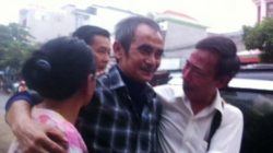Mr. Nen (center) on the day of release after 18 years in prison
