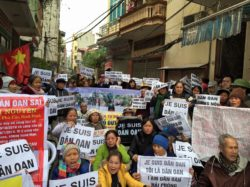 Land petitioners hold peaceful demonstration in Hanoi on Feb 27