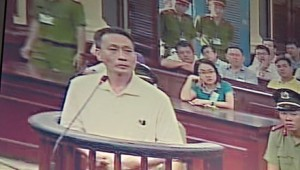 Blogger Nguyen Ngoc Gia in courtroom on March 30, 2016 (Photo: Thanh Nien newspaper)